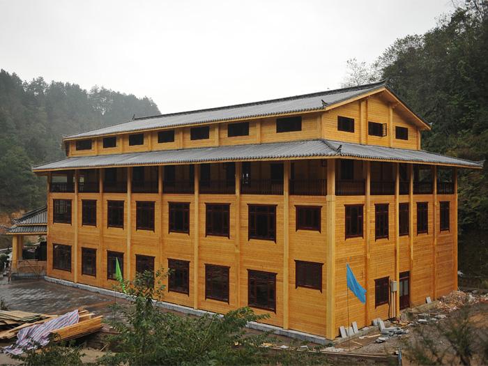 体建筑最大的木屋竣工照